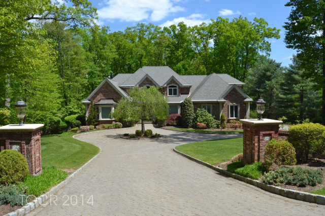 56 W Wildwood Road, Saddle River